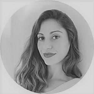 Carlota Carballo : Directora
