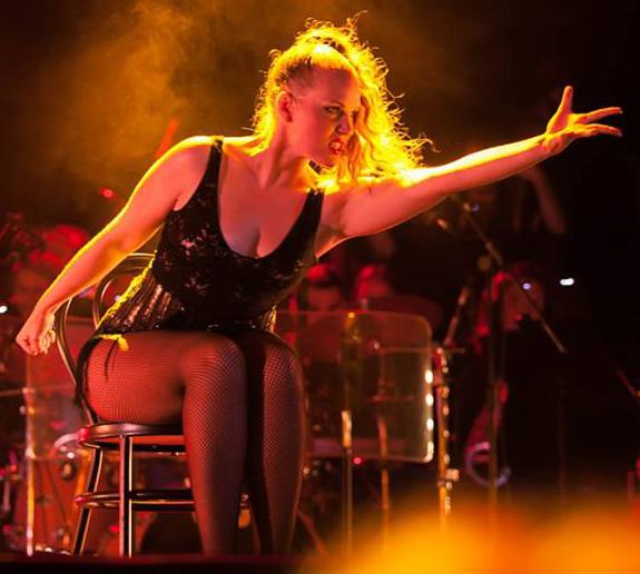 Mandy Fenoll : Profesora de Danza Teatro Musical (Juvenil y Adultos Avanzado)